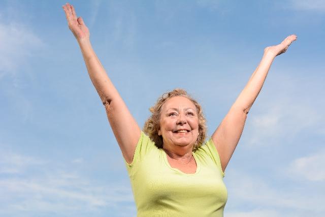 あなたの長年の歌の悩みを解消!歌が上手くなる究極の方法「水ジャージャー×五感」!