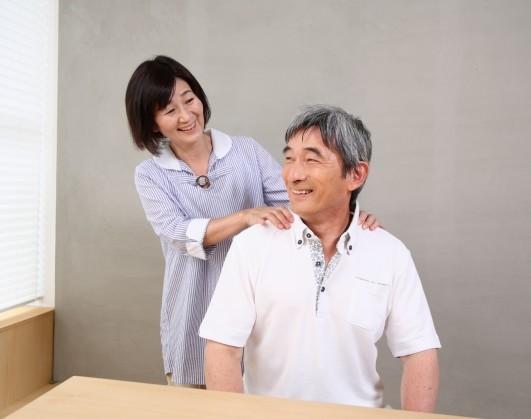 【年齢に関係なく歌える! 「肩甲骨はがし」で声も肩も劇的に改善!】
